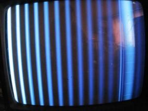 Вертикальные столбы на экране телевизора